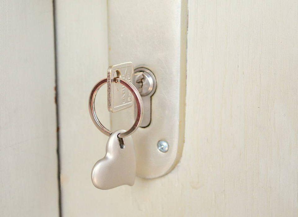 Złamany klucz w zamku - jak to naprawić